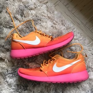 Rare Nike Women's Roshe Run Sunset Running Shoes
